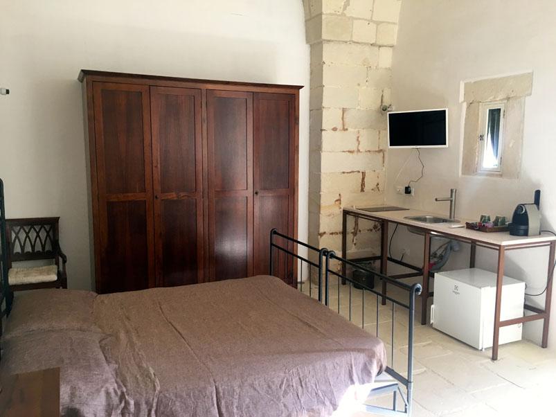 Bagno In Pietra Leccese : Mini appartamento masseria torre santandrea